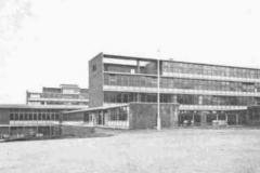 012 Quintin School building