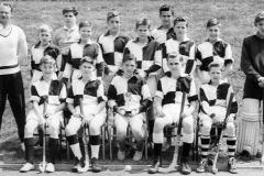 003 Kynaston School Hockey Team Form 2a (1957 or 58)